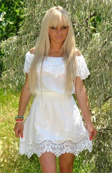 Платье белое летнее с кружевом