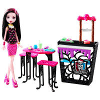 Monster High Beast Bites Cafe Doll and Playset - Draculaura