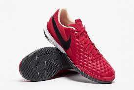 NIKE LEGEND 8 ACADEMY IC AT6099-608
