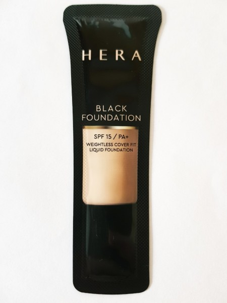 Hera Black Foundation SPF15 PA+
