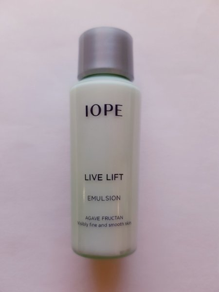 IOPE Live Lift Emulsion 15 ml